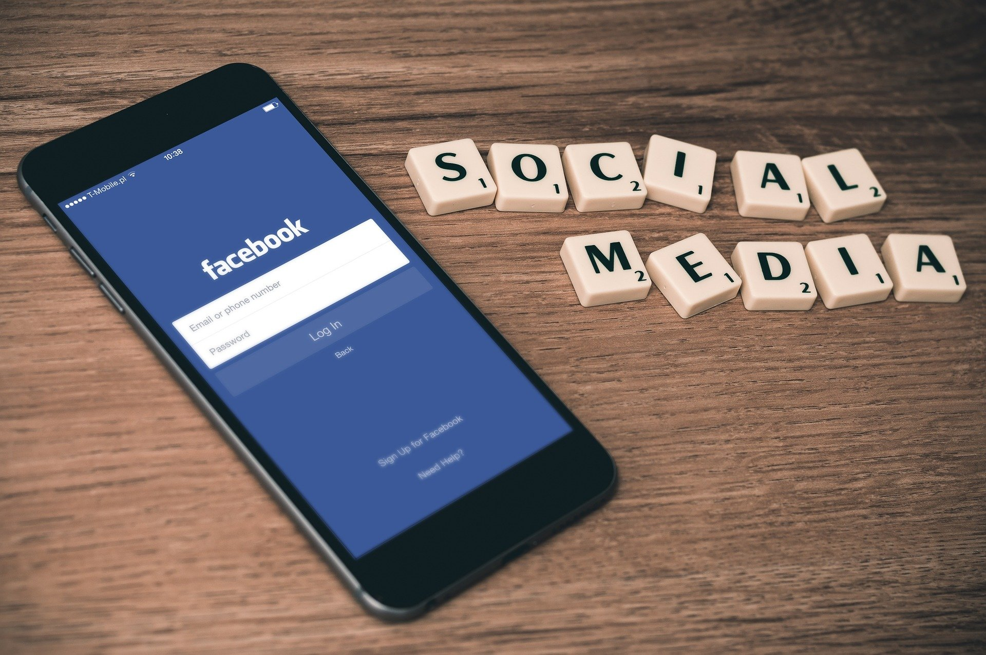 Ideas to Build an Uplifting, Engaging Presence on Social Media in 2021