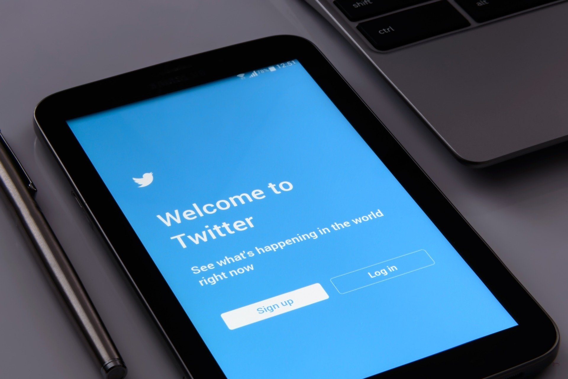 Twitter Blue Subscription Service